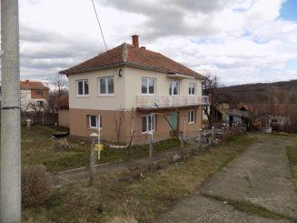Kuća-Topola-Krćevac