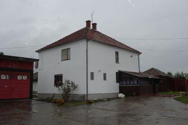 Kuća-Topola-Zagorica