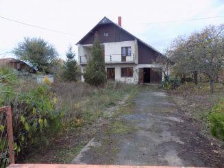 Kuća-Topola-Belosavci